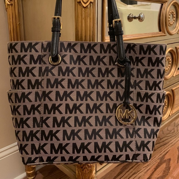 f4adeb6b6fc2 Michael Kors Bags | Authentic Logo Tote | Poshmark